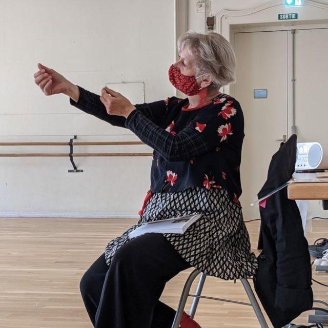 Après les représentations de la semaine dernière, retour en images sur les ateliers de pratique autour du spectacle PORTRAITS d'Etienne Rochefort menés par Cathy Dorn pour un groupe de femmes du Centre d'accueil SOS Femmes solidarité